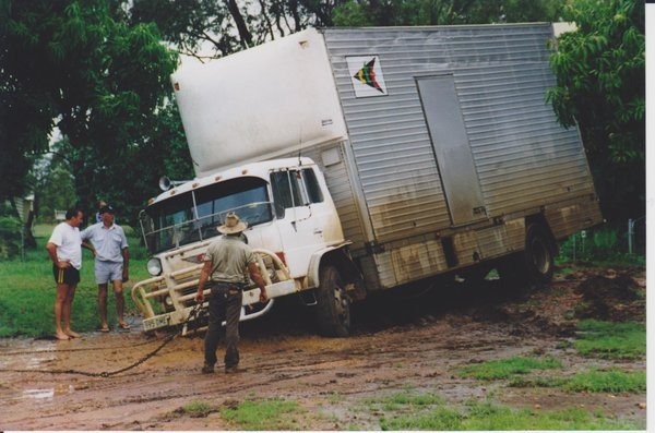 rsz_moving_house_tropical_wet_season
